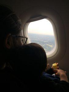 大人しく飛行機に乗っていた、スミレはーと