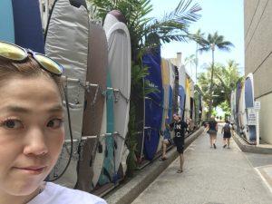 Waikiki beach🏖に向かう道🌴