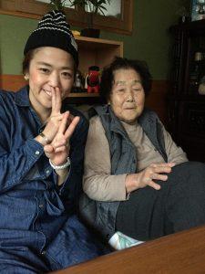 去年、おばあちゃんと撮った写真❤️