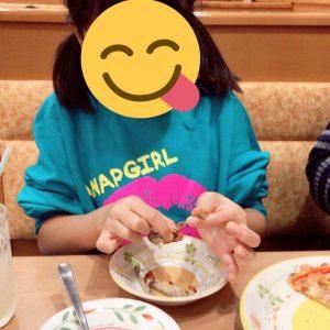 妹も、食べるのに夢中です😋w