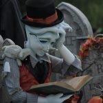 「永眠の仕方」という本を読むゴースト…👻