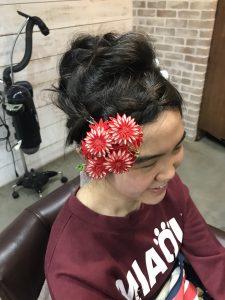 可愛い髪飾りをつけて💓
